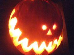 pumpkin carving Samhain Halloween, Creepy Halloween, Halloween Stuff, Halloween Pumpkins, Fall Halloween, Halloween Makeup, Halloween Ideas, Halloween Decorations, Halloween Costumes
