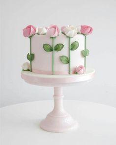 Semplice e delicata von Zoë Clark Kuchen Kuchen dekorieren Tipps und Tricks -… Semplice e delicata by Zoë Clark Cake Decorating Cakes Tips and Tricks – Cake Decorating Tips and Tricks – Bolo Floral, Floral Cake, Tulip Cake, Floral Cupcakes, Pastel Floral, Cake Decorating Tips And Tricks, Decorating Ideas, Cake Decorating Roses, Cake Decorating Amazing