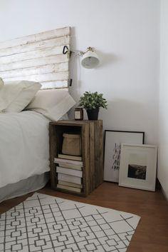 Decoración lowcost de dormitorio #lowcost #dormitorio #cajasmadera #antesydespues