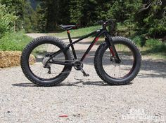 A first for specialized: the fat boy - fat bike capable of running 5in-wide tires. a size small fat boy weighs 30.8lb (14kg) with pedals: