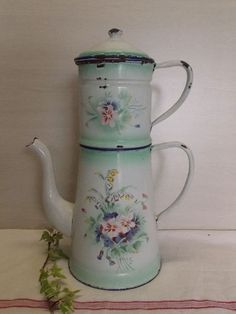 ANCIENNE CAFETIERE EMAILLEE FLEURS