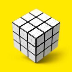 Un rubik's cube en braille pour les malvoyants (via Ufunk)