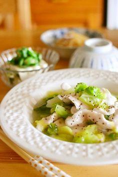 春キャベツと鶏むね肉のスープ煮