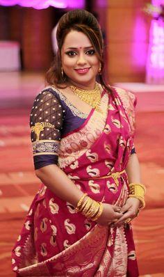 Gold Jewelry In Pakistan Key: 1979841467 Bengali Wedding, Bengali Bride, Saree Wedding, Bridal Sarees, Saree Look, Beautiful Girl Image, Saree Blouse Designs, Bridal Looks, Indian Wear