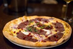 The best pizza in Oslo is found at Lofthus Samvirkelag and the flagship restaurant Tranen. Choose between red and white sauce and high quality ingredients.