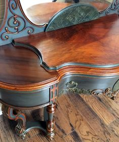 Restoration And Furniture Decoration Ideas To Recycle And Upcycle Wood Furniture Pieces Hand Painted Furniture, Refurbished Furniture, Paint Furniture, Repurposed Furniture, Furniture Makeover, Vintage Furniture, Furniture Decor, Furniture Design, Furniture Cleaning