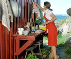 Allotment Shed, Outdoor Potting Bench, Outdoor Sinks, Outdoor Kitchens, Ski Decor, Old School House, Swedish House, Interior Garden, Up House