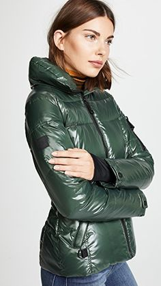 Keep it warm with the use of collection of women's mens winter coats & jackets. Parka Outfit, Mens Winter Coat, Winter Coats, Long Puffer Coat, Black Puffer, Green Parka, Womens Parka, Down Parka, China Fashion