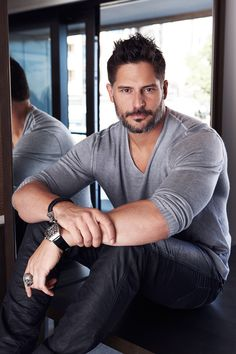 Crazy for Joe Manganiello! : Photo