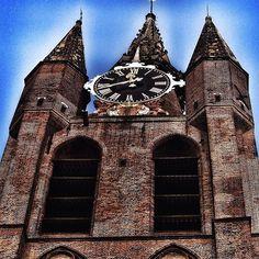 De Oude kerk (scheve jan)