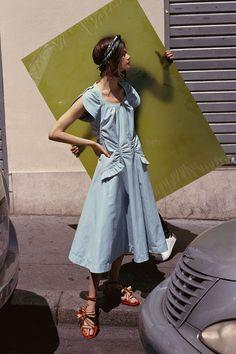 Carven Resort 2018 Collection Photos - Vogue#rexfabrics#purveyoroffinefabrics#cometousforfashion#passionforfabrics
