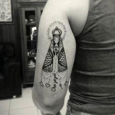 ▷ Tattoos of our lady of appeared Brazilian People, Mary Tattoo, J Cole, Love Mom, Tatoos, Usmc Tattoos, Deathly Hallows Tattoo, Small Tattoos, Piercings