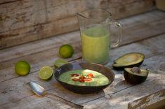 Kalte Avocado-Gurkensuppe