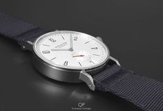 On this second to last evening of 2016, we've decided to upload a minimalistic, calm and subdued watch - in contrast to the loud fireworks and bright flashes that get our attention these last few days before the new year, that's a nice compromise, we thought!  The Nomos Glashütte Ahoi Datum is elegant, timeless and contemporary. Besides, it's a pragmatic and sporty watch as well; with it being water resistant up to 200 meters, it's capable of taking on quite some water during a swim!