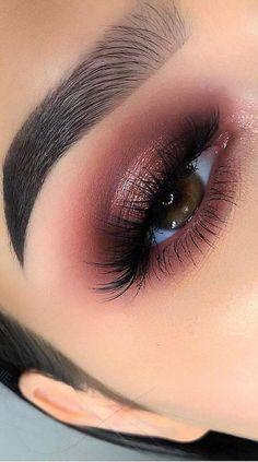 Eye Makeup Tips That Nobody Told You About 2 Blue Eyeshadow For Brown Eyes eye Makeup Part tips told Makeup Eye Looks, Eye Makeup Tips, Cute Makeup, Gorgeous Makeup, Makeup Goals, Skin Makeup, Makeup Inspo, Makeup Inspiration, Eyeshadow For Green Eyes