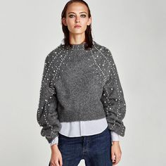 Discover the new ZARA collection online. The latest trends for Woman, Man, Kids and next season's ad campaigns. Cropped Pullover, Cropped Sweater, Pullover Sweaters, Cozy Fashion, Autumn Fashion, Fashion Outfits, Sweater And Shorts, Sweater Outfits, Zara
