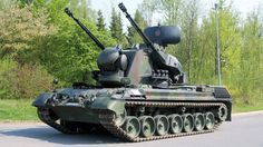 The Gepard self-propelled anti-aircraft gun entered service with the Bundeswehr in 1973 as the Gepard. A total of 420 of these vehicles were built for the German Army. Army Vehicles, Armored Vehicles, George Patton, Tank Wallpaper, Wallpaper Desktop, Computer Wallpaper, Wallpaper Backgrounds, Self Propelled Artillery, Tank Armor