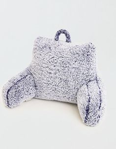Shop Pillows at American Eagle to stock up on dorm and room essentials. Browse throw pillows, shag pillows, decorative pillows, bed pillows & more! Bed Rest Pillow, Back Pillow, Kids Pillows, Throw Pillows, Fluffy Bedding, American Beagle, Fuzzy Blanket, Mens Outfitters, Decorative Pillows