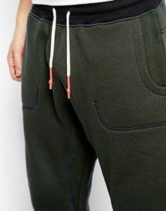 Dipped drawcord pop tips a must. Sport Fashion, Fashion Outfits, Mens Fashion, Girls Joggers, Men Trousers, Mens Sweatpants, Fashion Details, Fashion Design, Mens Activewear