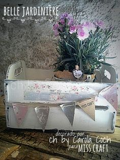 Belle jardiniére by ch... #chbycarolacoch #misscraft #fleurpaint #wood #vintage #shabby #homedecor #spring