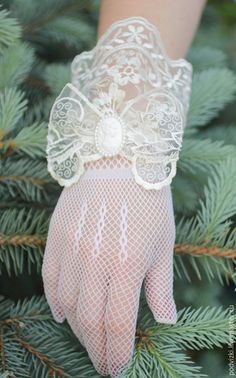 Tulle Wedding, Lace Weddings, Bridal Lace, Dress Wedding, Dresses Short, Ivory Dresses, Short Lace Dress, Wedding Gloves, Wedding Suits