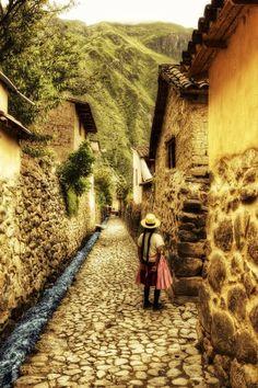 Peruvian Streets by Stuzal