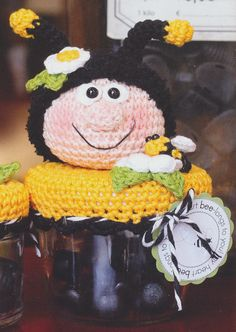 Miss bizzy bee Drops Design, Crochet Crafts, Tweety, Bee, Teddy Bear, Halloween, Toys, Animals, Ideas