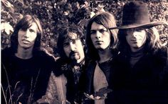 going to put b pics of my favorite bands around the room ... pink floyd