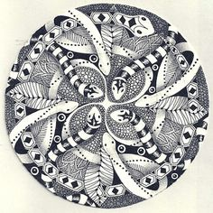 Margaret Bremner - Artist and CZT. Zentangle, mandalas, and arty things. Tangle Doodle, Zen Doodle, Doodle Art, Doodle Patterns, Zentangle Patterns, Zentangles, Rainbow Snake, Designs To Draw, Drawing Designs