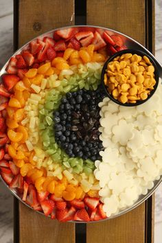 Fruit Rainbow - COOKING - Recipes and Cooking tips on craftster.org Fruit rainbow plate by sweets4ever