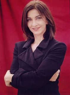 BLUDONNA: L'attrice Anna Bonaiuto al Grattacielo di Torino p...