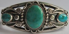 BEAUTIFUL ORNATE VINTAGE NAVAJO INDIAN STERLING SILVER TURQUOISE CUFF BRACELET