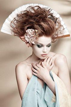Тематическая фотосессия-необычный макияж