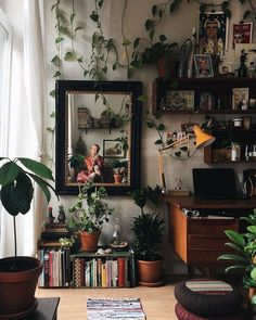 Best Retro home decor ideas - Super Elegant retro plans. retro home decor ideas plants wonderful tip number 1681206313 shared on this day 20190518 Sweet Home, Aesthetic Room Decor, Retro Home Decor, Vintage Apartment Decor, Vintage Office Decor, Home And Deco, New Room, House Design, Bedroom Ideas