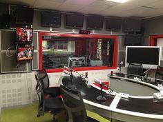 locutorio radio desde lado trasero 2
