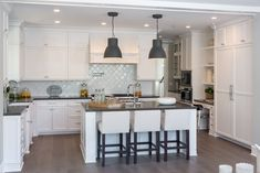 Traditional Kitchen with Arabesque Ceramic Mosaic Tile in Whisper White