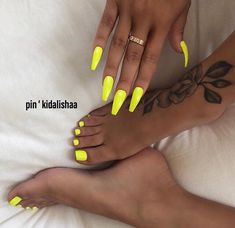 Neon nails - the flagship and colorful trend of summer 2019 # nails . - Neon nails – the flagship and colorful trend of summer 2019 nails yellow hands and feet - Neon Nails, My Nails, Bright Nails Neon, Bright Acrylic Nails, Neon Orange Nails, Bright Nails For Summer, Acrylic Toes, Neutral Nails, Nails On Fleek