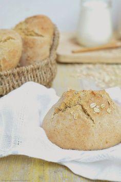Marcos de azúcar: Emparedado con la parrilla Tomino, cebolla caramelizada Tropea miel, salsa de albahaca y melocotones + sándwiches espelta y yogurt con avena