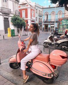 61 ideas for motorcycle fashion scooter girl Scooters Vespa, Motos Vespa, Piaggio Vespa, Lambretta Scooter, Scooter Girl, Retro Scooter, Vespa Girl, Vespa Retro, Vintage Vespa