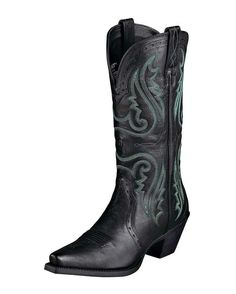need me a black pair of boots... got brown ones,,, gonna have to be shoppin for black ones soon...  http://www.countryoutfitter.com/products/27993-womens-heritage-western-x-toe-boot-vintage-black