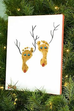The Patriotic Peacock: DIY Christmas Art Can I borrow Parker's feet for this?? @Chase Chandler