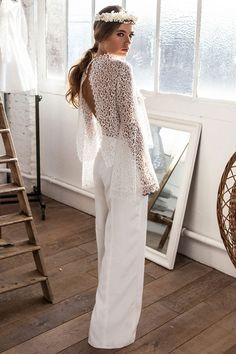 Sweet retro wedding dresses, minimal bridal separates, and romantic high-low gowns, find your favourite in the Meryl Suissa wedding dress collection 2017 Retro Wedding Dresses, Bridal Dresses, Wedding Gowns, Lace Wedding, Bridal Pants, Wedding Jumpsuit, Wedding Pantsuit, Bridal Tops, Bridal Separates