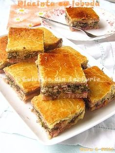 Placinta cu loboda Appetizer Recipes, Appetizers, Pastry And Bakery, Spanakopita, Cornbread, Zucchini, Bacon, Picnic, Cooking Recipes
