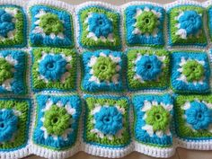 Puffed Flower Granny Square