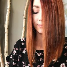 All the fall feels. #cosmoprofbeauty #ideologiesalon #wellahair #redhair #fallhair #bob #haircut #imallaboutdahair #oribeobsessed #behindthechair