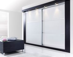 Встроенный шкаф в спальне - 70 фото дизайнерских идей