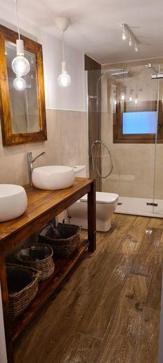 Mueble de lavabo con palets y espejos a juego – I Love Palets Bathtub, Love, Bathroom, Country Style Bathrooms, Be Better, Bathrooms, Bathroom Sinks, White Colors, Living Room