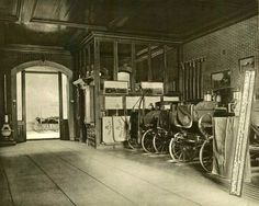 640 Fifth Ave, William H. Vanderbilt Residence c. stabling consisted of twelve box-stalls for Vanderbilt's high-strung trotters. Six ordinary stalls accommodated the heavier coach-horses. Victorian Photos, Victorian Era, Vintage Photos, Vintage Photographs, William Henry Vanderbilt, Vanderbilt Houses, Biltmore Estate, Nyc, Old Money