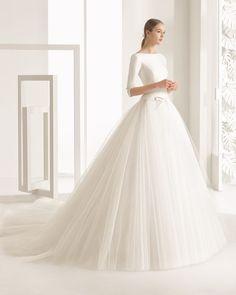 23 Winter Wedding Dresses that WOW | weddingsonline