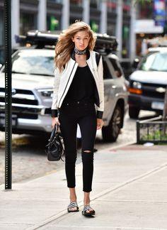 Style Inspiration : 50 Amazing Gigi Hadid Street Style Looks - Fashionetter Estilo Gigi Hadid, Bella Hadid Style, Looks Style, Looks Cool, Gigi Hadid Outfits, Look Blazer, Anna Wintour, Fashion Outfits, Fashion Trends